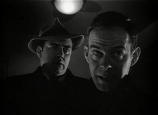 Raymond Burr is out for revenge and Harry Morgan is the hired killer