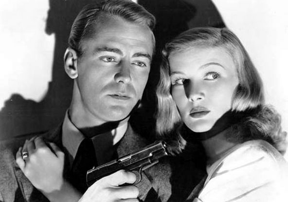 Alan Ladd as hired gun, Philip Raven and dame, Veronica Lake