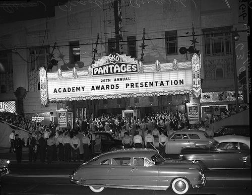 Oscars-1954-RKO-Panrafes-Theatre-in-LA