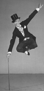 Fred-Astaire-Dancing-in-Morning-Coat