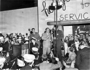 abbott-costello-hollywood-canteen-opening