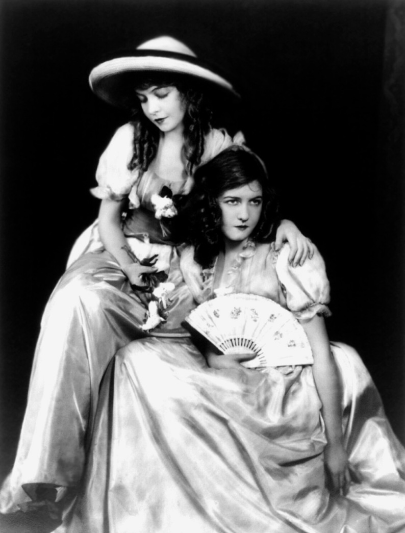 Dorothy & Lillian Gish - c. 1912-1915 - By Alfred Cheney Johnston