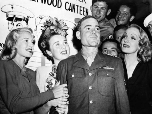 turner-durbin-dietrich-hollywood-canteen-