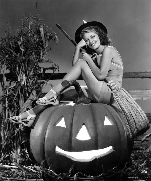 Vintage Halloween Pinup Anne Nagel