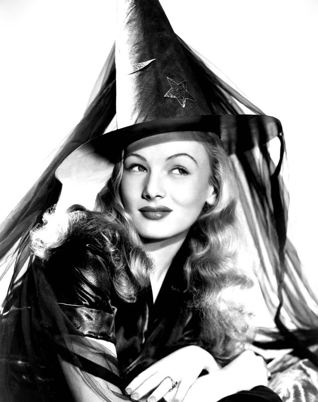 Vintage Halloween Pinup Veronica Lake