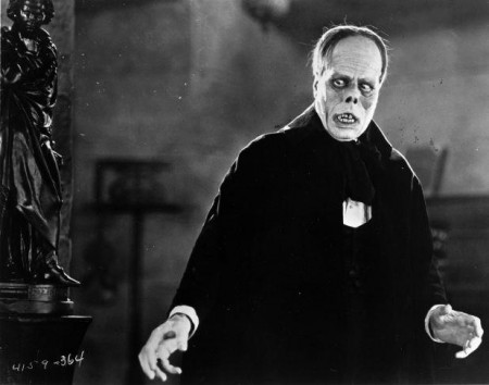 Phantom-of-the-Opera-Lon-Chaney-450x354