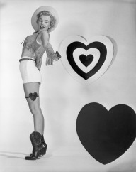 Marilyn-Monroe-Valentines-Day-Photoshoot-February-1951