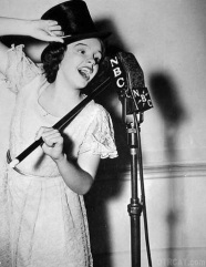 judy-garland-radio-broadcast
