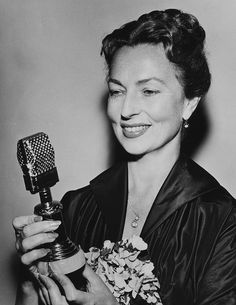 Moorehead with her Golden Mike Award, for her work in radio, 1953