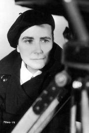 Dorothy Arzner - director