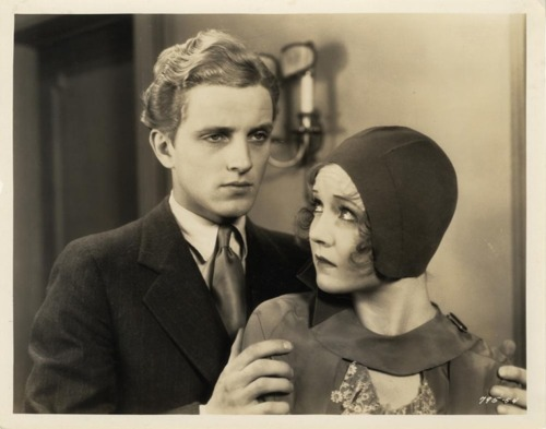 Phillips Holmes and Nancy Carroll in The Devil's Holiday