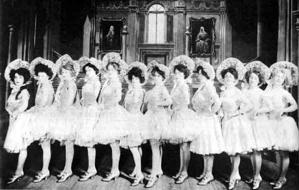 The Anna Held Girls in the 1907 Follies