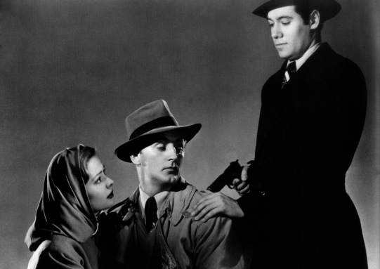 Greer, Mitchum and Valentine in Out of the Past