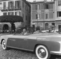 Ava Gardner in the car with Humphrey Bogart