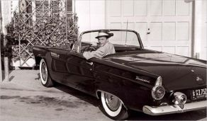 Sinatra in his 1955 Ford Thunderbird