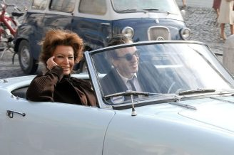 Sophia Loren and Daniel Day Lewis shooting Nine in Rome