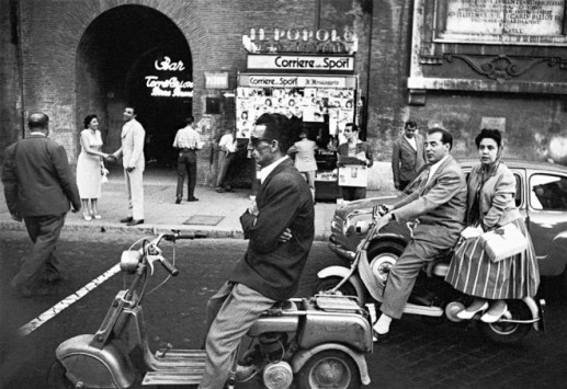 William Klein photograph of streets of Rome