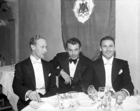 With Leslie Howard and Charles Farrell