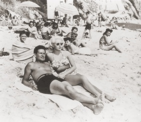 John Garfield and Lana Turner in Laguna Beach, filming THE POSTMAN