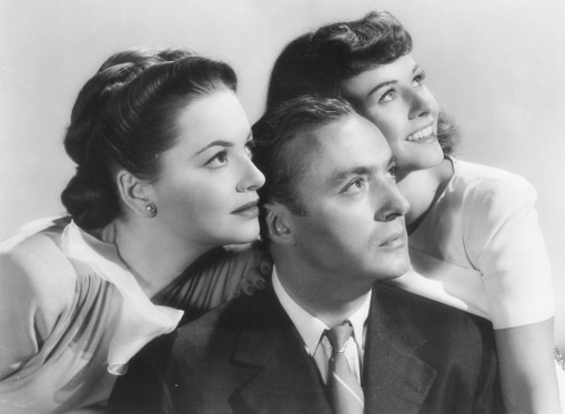 With Charles Boyer & Paulette Goddard Hold Back the Dawn (1941)