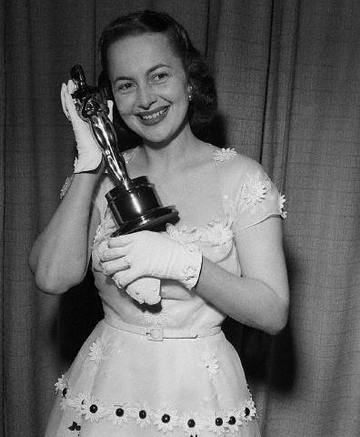 With her Oscar for To Each His Own
