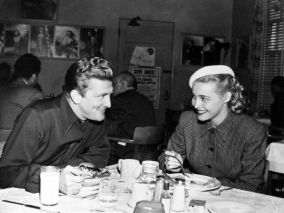 Kirk Douglas and Patricia Neal have lunch at the Warner Bros. commissary