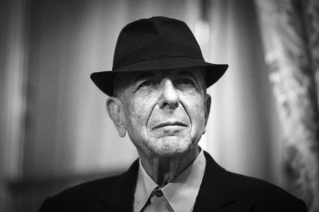 Canadian singer and poet Leonard Cohen i