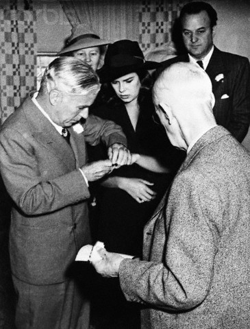 Wedding of Charlie Chaplin and Oona O'Neill