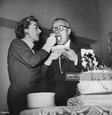 Joan Crawford weds Alfred Steele