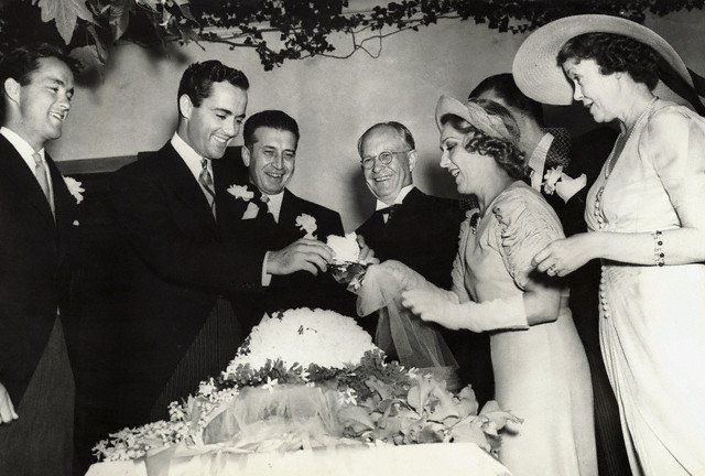 Mary Pickford And Buddy Rogers Cutting Wedding Cake Once Upon A Screen