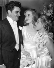Mary Pickford congratulates Owen Crump and Lucile Fairbanks on their wedding
