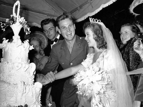 Shirley Temple marries Charles Black
