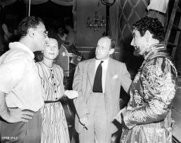 On set of A DOUBLE LIFE with writers Gordon and Kanin and actor Ronald Colman
