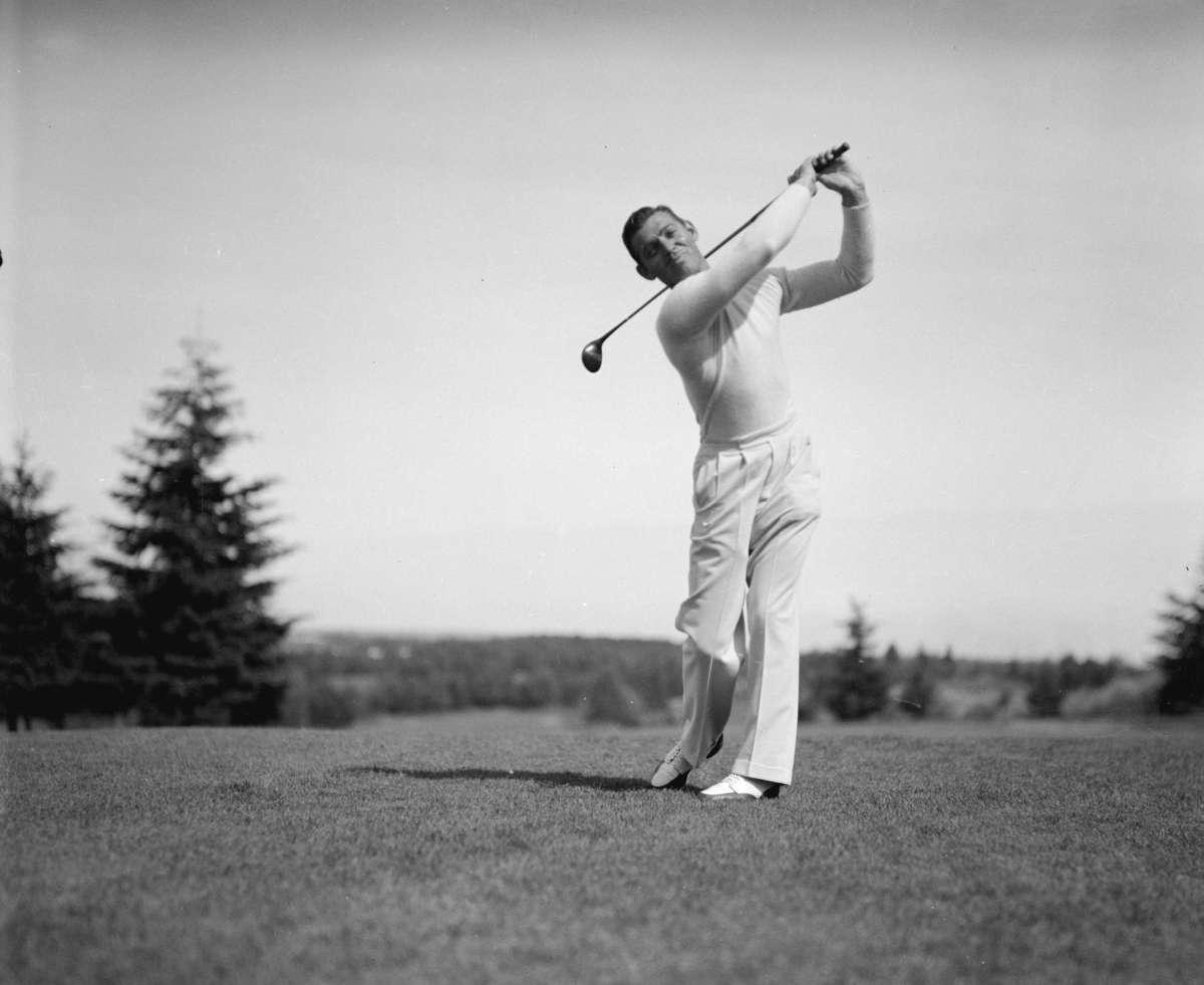 Friday Foto Follies: Golfing