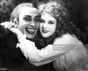 Mary Philbin with Conrad Veidt in THE MAN WHO LAUGHS
