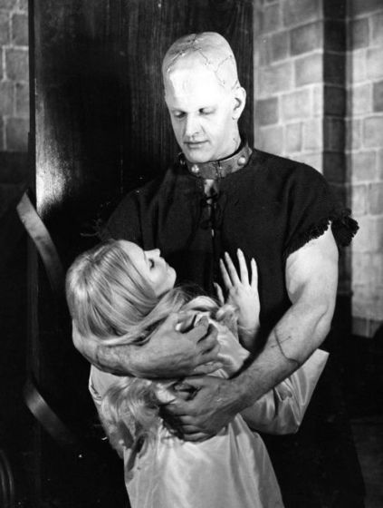 Veronica Carlson and David Prowse THE HORROR OF FRANKENSTEIN