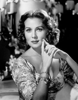 Rhonda Fleming appeared in IN OLD OKALHOMA