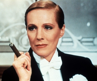 Julie Andrews in VICTOR VICTORIA