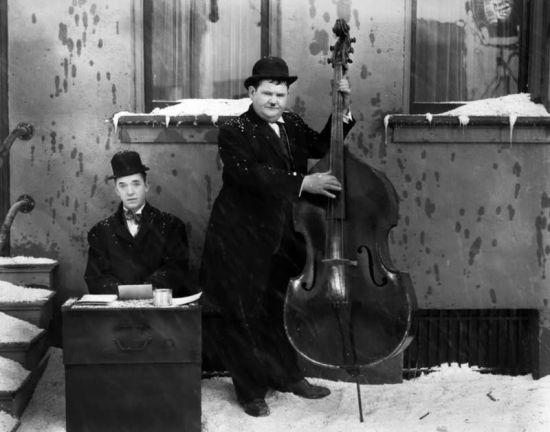 Stan Laurel and Oliver Hardy in BELOW ZERO (1930)